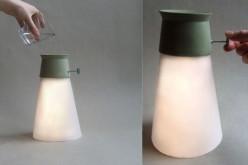 Լամպ, որը վառվում է ջրի մի քանի կաթիլով