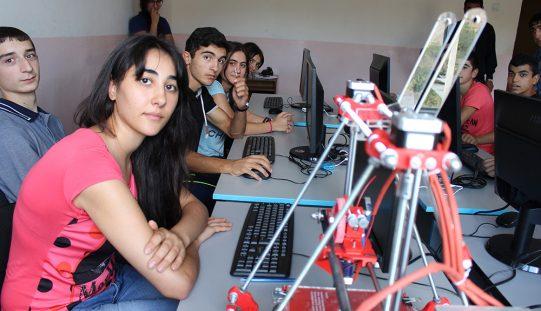 Տավուշ և Պառավաքար սահմանամերձ գյուղերի շուրջ 70 դպրոցականներ ինժեներական լաբորատորիա են հաճախում