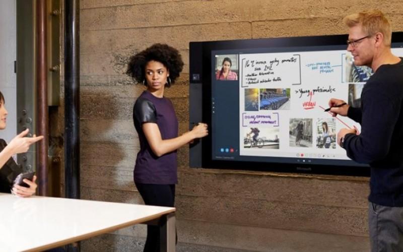 Microsoft-ը ներկայացրել է հսկայական Surface Hub կորպորատիվ պլանշետը