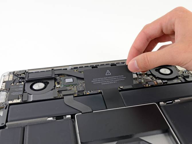 Новый macbook pro retina разобрали на запчасти