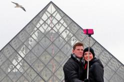 Ինչո՞ւ է սելֆի-փայտիկների օգտագործումն արգելվել հանրահայտ թանգարաններում