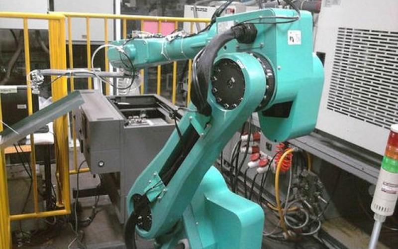 Foxconn-ի ռոբոոտները լապշա են պատրաստում (տեսանյութ)