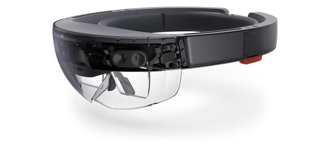 Ինչպես է Microsoft-ը պատկերացնում HoloLens-ով ֆուտբոլ նայելը (տեսանյութ)