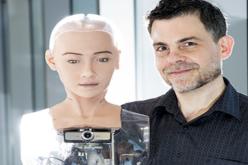 Սոֆյա անունով ռոբոտը կարողանում է զրուցել մարդկանց հետ