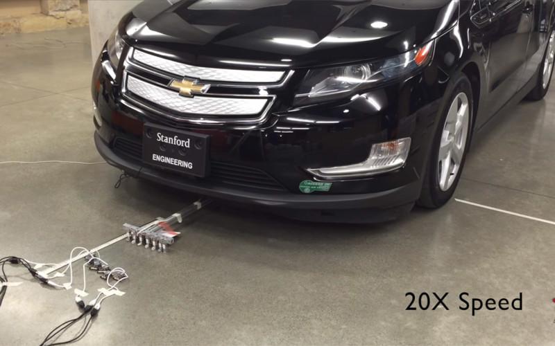 Վեց փոքրիկ ռոբոտներ կարող են քարշակել ավելի քան 2 տոննա կշռող ավտոմեքենան