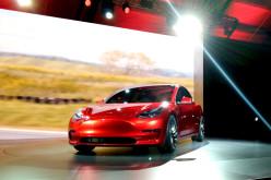 Tesla էլեկտրական մեքենաների դռները ցրտից արգելափակվում են