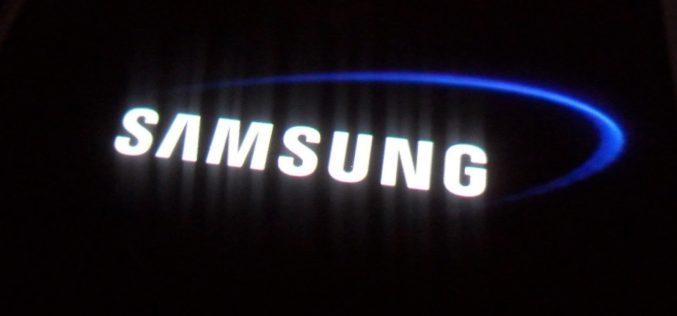 Samsung Gear Fit2 խելացի թևնոց և Gear IconX ականջակալներ