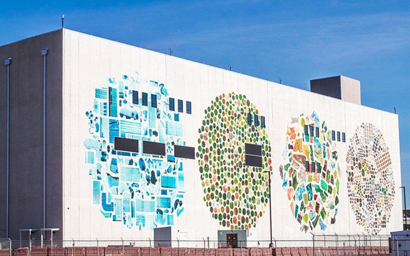 Google-ը վերածում է իր տվյալների կենտրոններն արվեստի գործերի