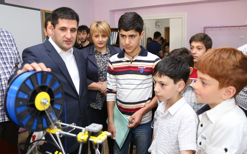 «Արմաթ» խմբակ-լաբորատորիաներ բացվեցին Շիրակի և Արագածոտնի դպրոցներում