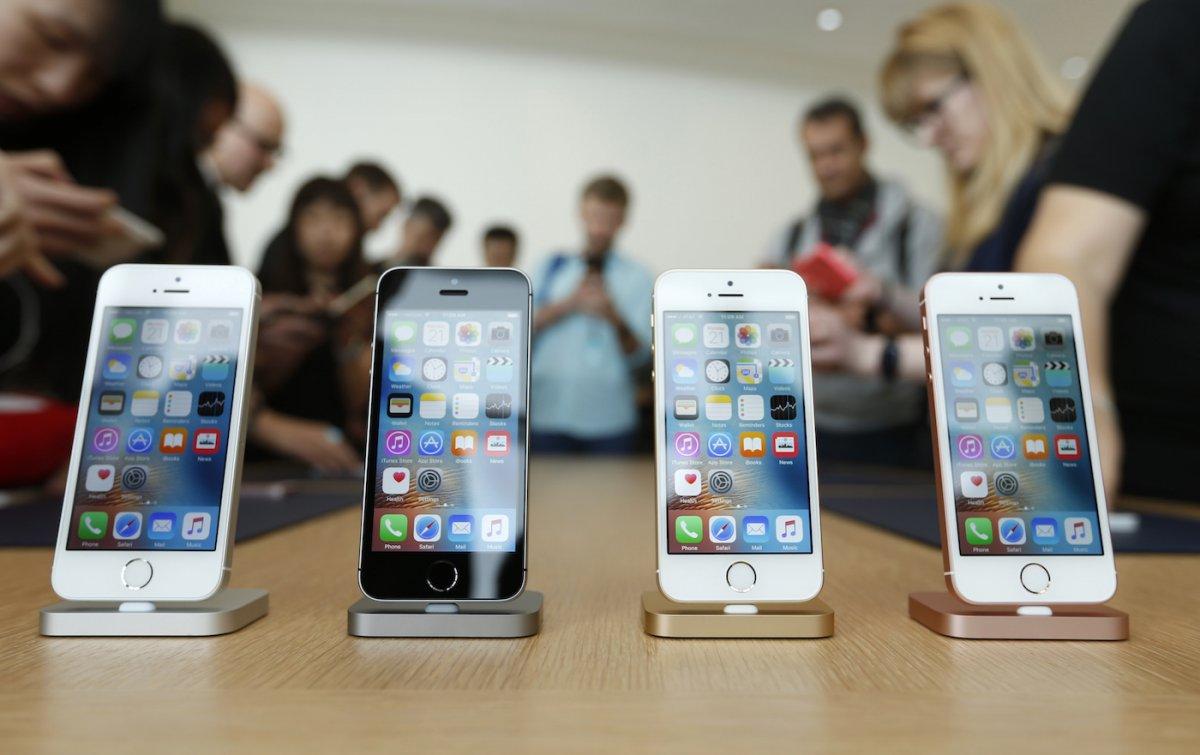 2-iphone-se