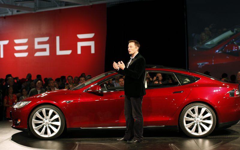 Էլոն Մասկի՝ տիեզերք արձակած Tesla Roadster-ը հասել է Մարսին ու անցել այն