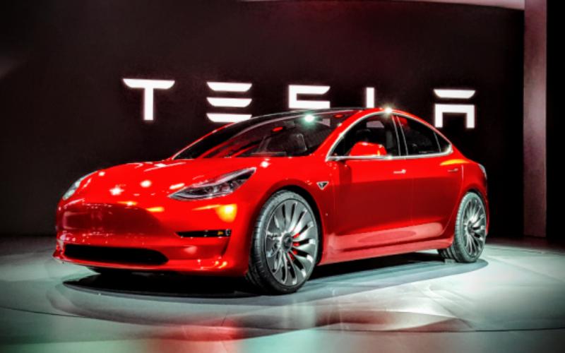 Tesla-ն սկսել է Model 3-ի  վաճառքը