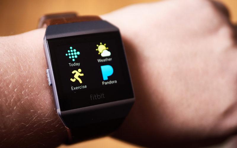 Fitbit-ը ներկայացրել է նոր խելացի ժամացույց, որը կարող է մրցել  Apple Watch-ի հետ