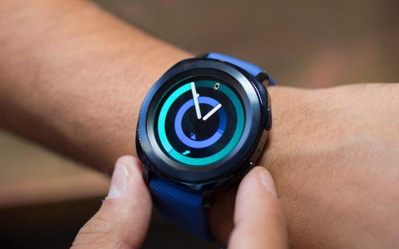 Samsung-ը ներկայացրել է նոր ֆիթնես սմարթ-ժամացույցներ և անլար ականջակալ