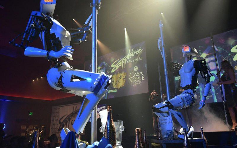 CES 2018. Լաս Վեգասում ներկայացվել են ռոբոտ–մերկապարուհիներ