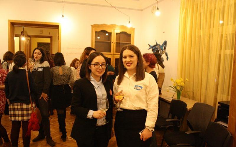 Geek Girls' Dinner. սթարթափում կարևոր է նաև կանանց և աղջիկների մասնակցությունը