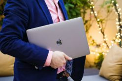 Apple-ը խանութներից հետ է կանչում  MacBook Prօ-ն
