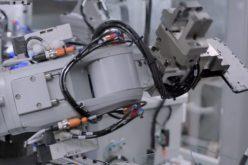 Apple-ի նոր Daisy ռոբոտը  կարողանում է հեռախոս մասնատել