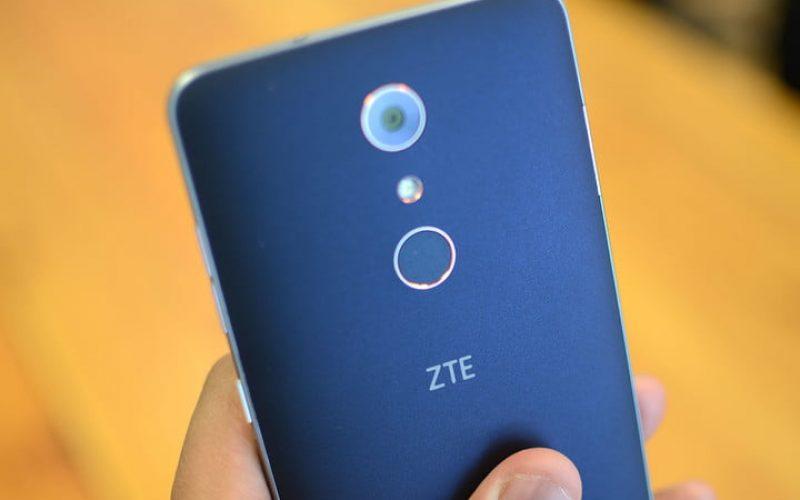 Երկու կտրվածք ունեցող էկրանով նոր սմարթֆոն ZTE–ից