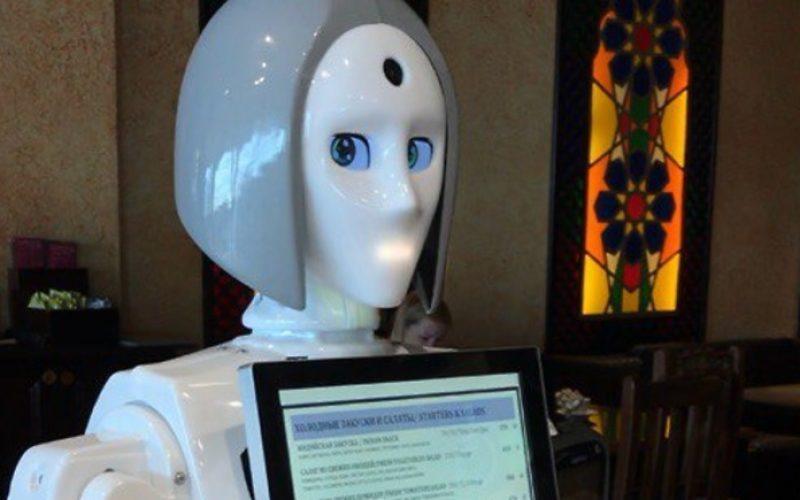 Դոմոդեդովո օդանավակայանում ռոբոտ մատուցողուհի է հայտնվել