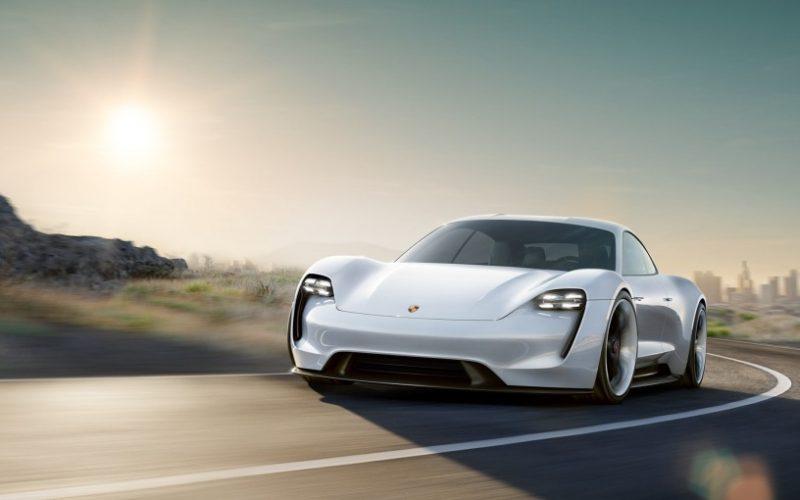 Porsche-ն ներկայացրեց ընկերության առաջին էլեկտրամեքենան (տեսանյութ)