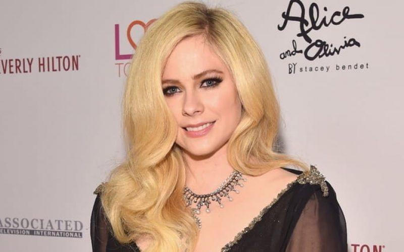 Youtube-ի նորույթը՝ Avril Lavigne-ից (տեսանյութ)