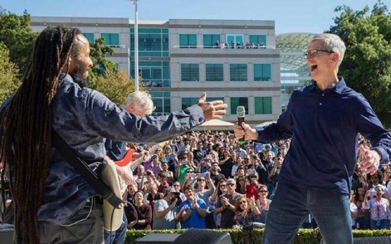 Apple-ն անցկացրեց աշխատակիցների համար կազմակերպվող նախաամանորյա Beer Bash միջոցառումը