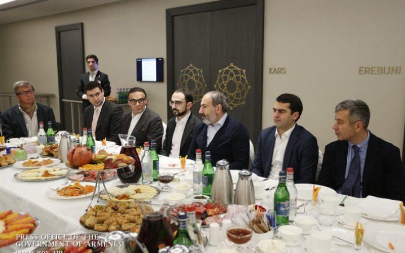 ՀՀ վարչապետը պաշտոնական ճաշ է ունեցել ՏՏ ոլորտի ներկայացուցիչների հետ