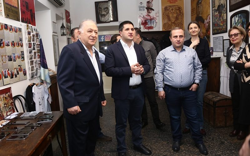 Ucom-ի աջակցությամբ Ս․Փարաջանովի թանգարանը տրամադրում է աուդիոգիդ ծառայությունը