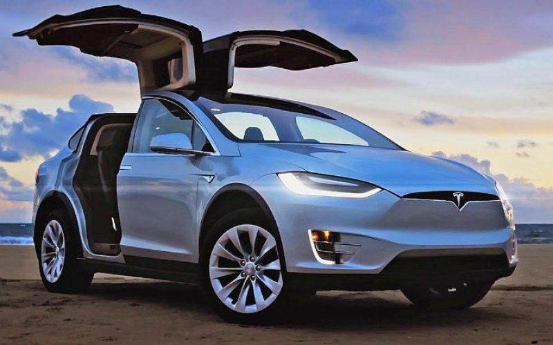 Tesla-ն կսովորի ինքնուրույն շրջանցել փոսերը