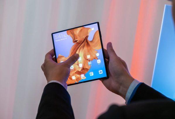 Huawei-ի նոր ծալովի սմարթֆոնը կլինի ավելի էժան եւ կոմպակտ Mate X-ից