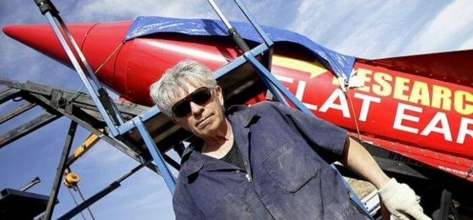 ԱՄՆ-ում ինքնաշեն հրթիռի արձակման ժամանակ մահացել է գյուտարար Մայք Հյուզը. նա փորձել է ապացուցել հարթ Երկրի տեսությունը