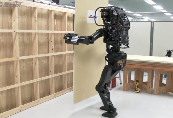 Ռոբոտ շինարար, որն արդեն կարողանում է գիպսաստվարաթուղթ ամրացնել (Տեսանյութ)
