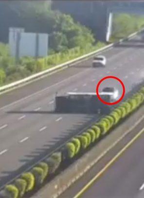 Tesla-ն սարսափելի վթարի է ենթարկվել(տեսանյութ)