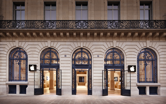 Paris Apple Store 01
