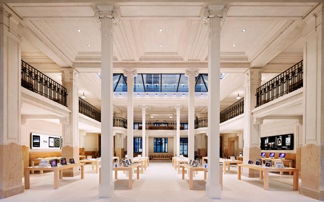 Paris Apple Store 02