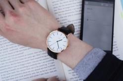 Sim՝ դասական ժամացույցի տեսքով «խելացի» սարք (վիդեո)