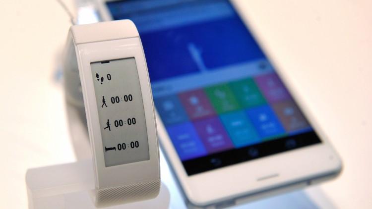 Sony-SmartBand-Talk-750x422