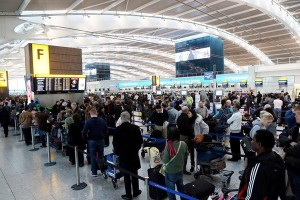 TS-Heathrow-crowd