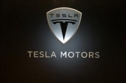 Apple-ը բանակցություններ է վարում Tesla Motors-ի հետ