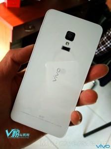Vivo-Xplay-5S-1-562x750