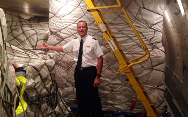 93 տոննա iPhone-ով բեռնված ինքնաթիռը շտապում է դրանք հասցնել իրենց տերերին (ֆոտո)