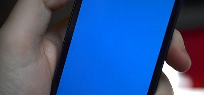 iPhone 5S օգտագործողները բողոքում են կապույտ էկրանի հայտնվելուց