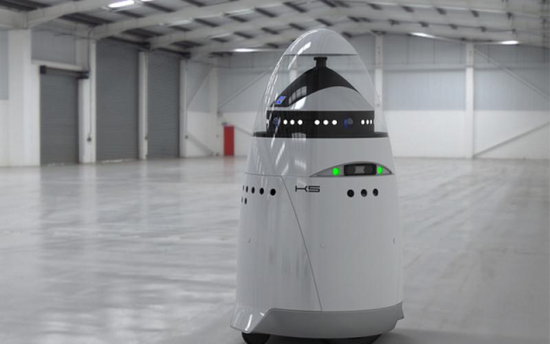 Microsoft-ը վարձել է ռոբոտ-պահակների (տեսանյութ)