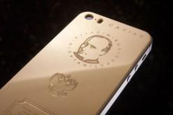 Ոսկյա iPhone 5s՝ Պուտինի նկարով և Ռուսաստանի հիմնի տեքստով