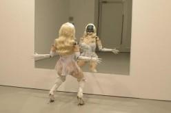 Նկարիչը ստեղծել է ռոբոտ-մերկապարուհու (վիդեո)