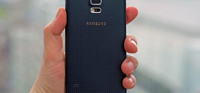 Samsung Galaxy S5 սմարթֆոնի օգտագործողները բողոքում են տեսախցիկից