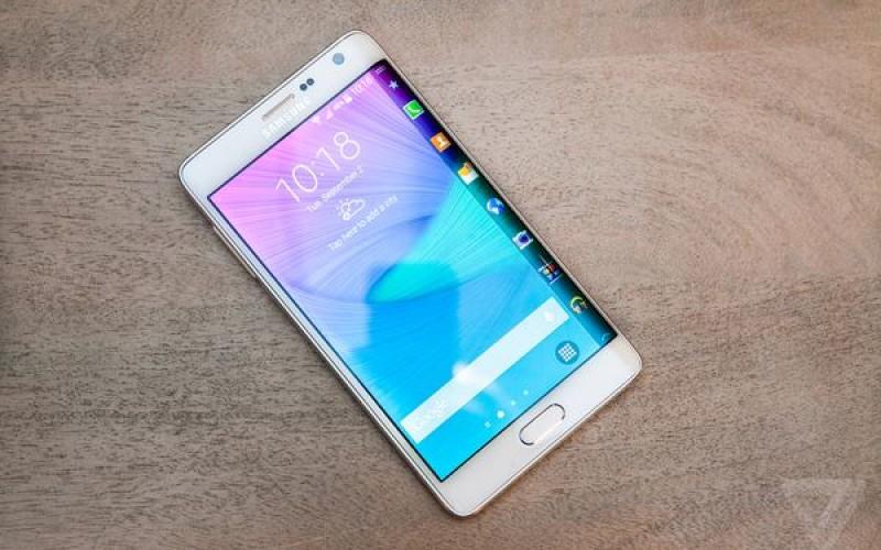 Samsung-ը կկորացնի Galaxy S6-ի երկու կողմերը