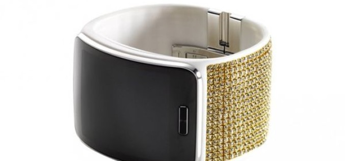 Samsung Gear S խելացի ժամացույցը զարդարվել է Swarovski քարերով